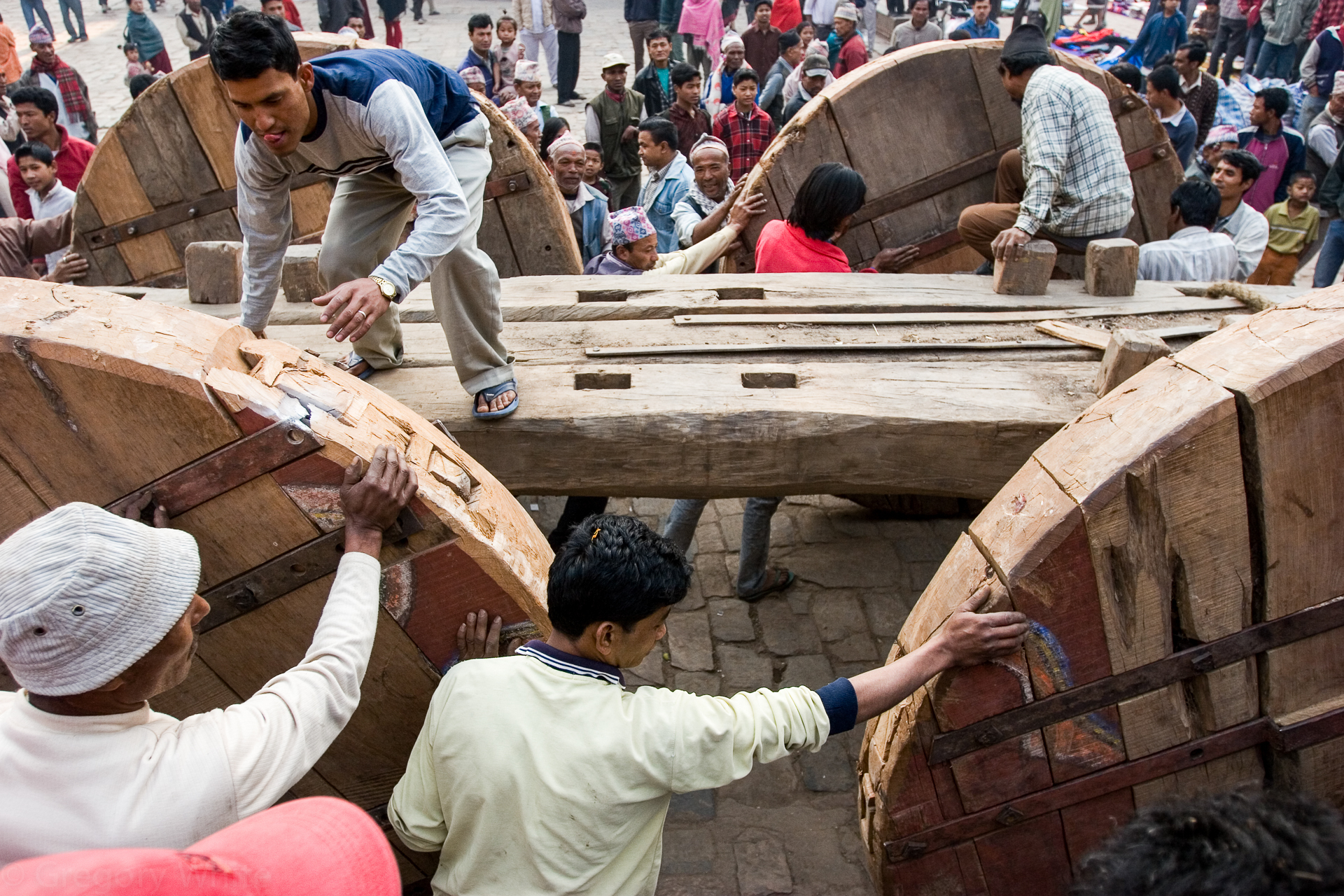 Building the giant cart for the Biste Jatra festival in Bhaktapur.