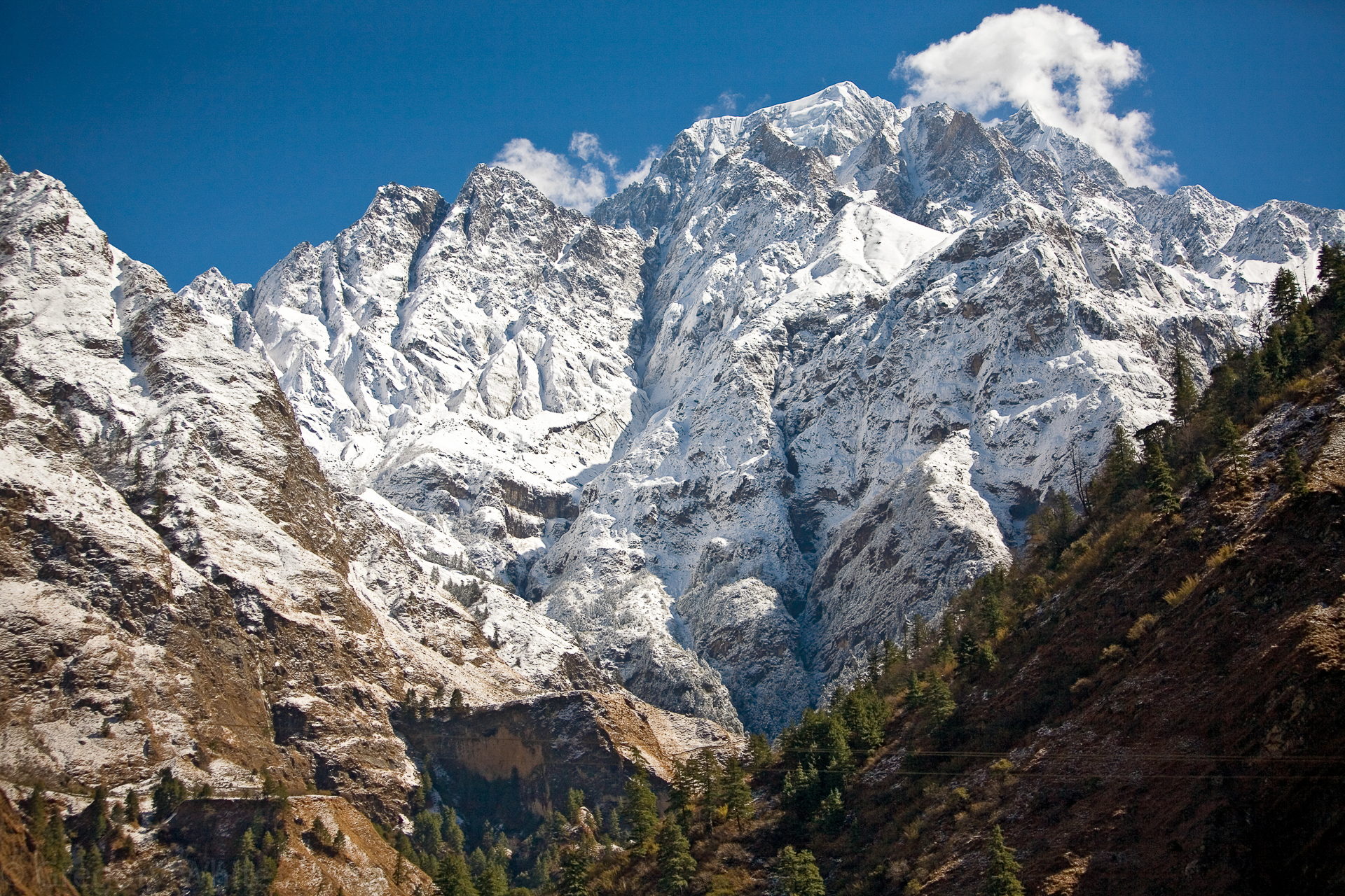 Standing in the Kali Gandaki Gorge, you can look straight up to Annapurna I, 18,278 feet above you.
